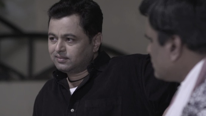 Subodh Bhave in Tula Pahate Re.