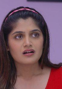 Isha Keskar as Shanaya