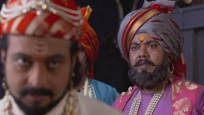 Scene Swarajyarakshak Sambhaji.
