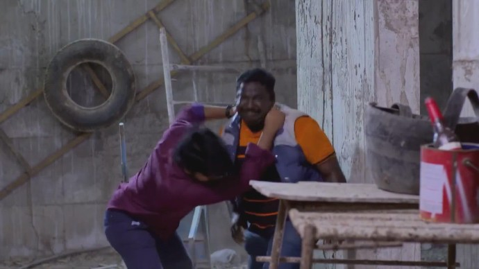 Abhimanyu fights off Rasheed to save Nithya