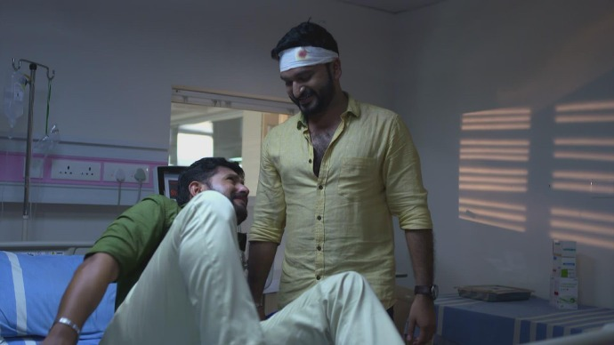 Subramanian tells Anand about getting beaten up