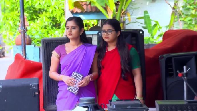 Kabani and padmini look for Sajan