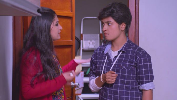 Pooja frees Sathya