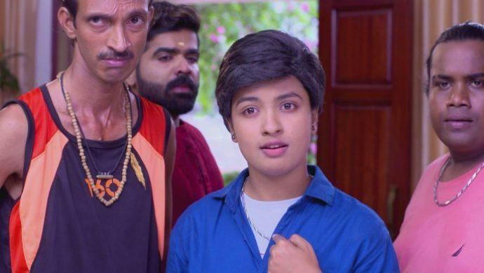 Sathya feels insulted by Nimisha (1)