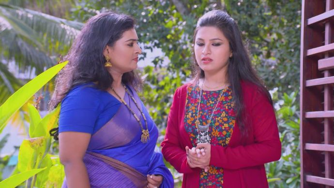 Sujitha and Pooja discuss a plan to sabotage Sudhi's marriage (1)