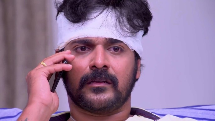 Sudhi gets a call from Chandradas