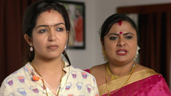 Nandana tells Maheshwari that she loves Aravind (Source:ZEE5)