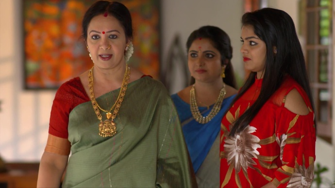 Akhila apologises to Ganga (source:ZEE5)
