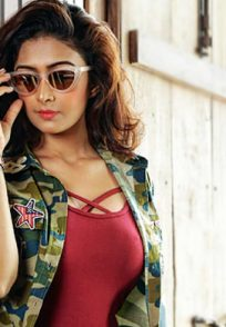 Farnaz-Shetty-in-Sunglasses