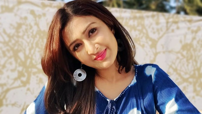 Farnaz-Shetty-in-funny-expressions