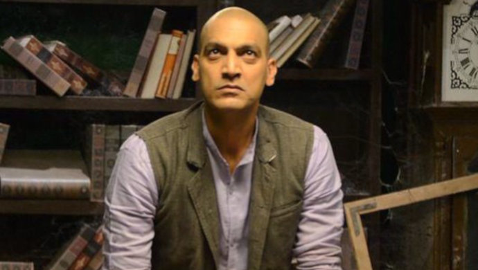 Manish Wadhwa in bald avatar
