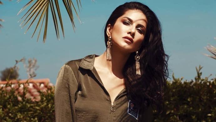 A photoshoot of Sunny Leone