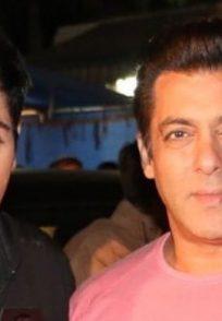 Aasif Sheikh and Salman Khan on the sets of Bhabi Ji Ghar Par Hain