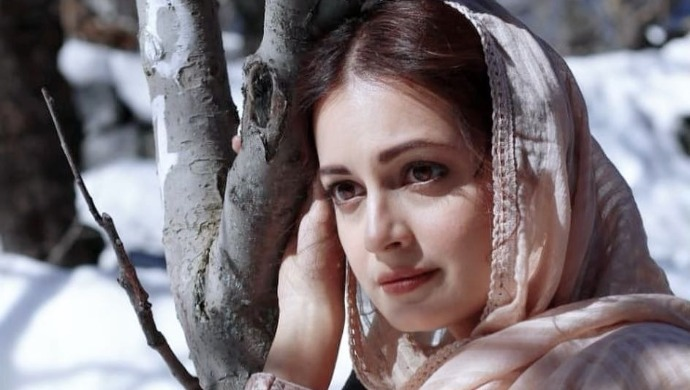 Dia Mirza as Kainaz from ZEE5 original Kaafir