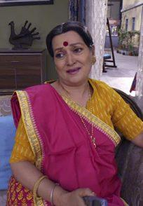 Katori Amma from Happu Ki Ultan Paltan