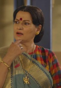 Himani Shivpuri as Katori Amma