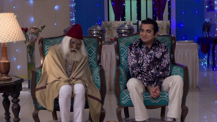 Still from Bhabi Ji Ghar Par Hain with Saxena