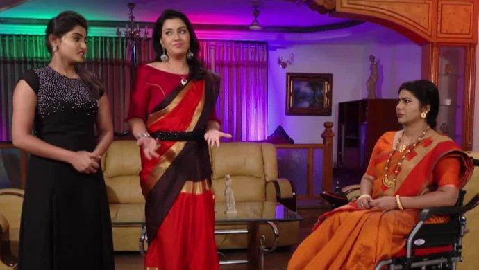 Aiyrendri Nakshatra And Suchitra Devi In Maate Mantramu