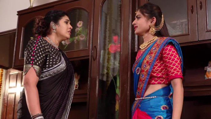 Brahmini And Mansi In Ninne Pelladatha
