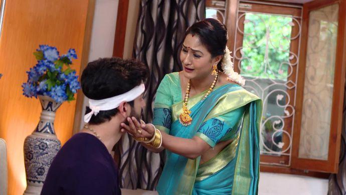 Vedavati and Aditya In Akka Chellellu