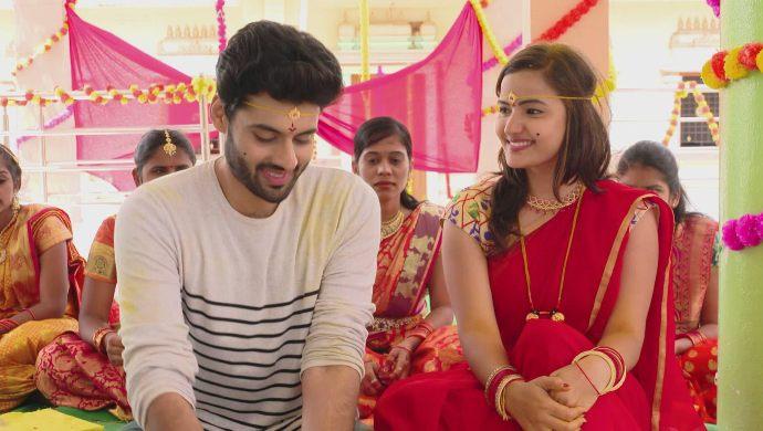 Anand and Alekhya in Maate Mantramu