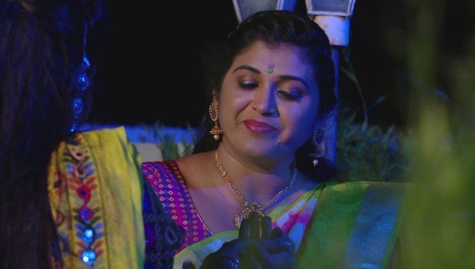 Brahmini and Sampangi in Ninne Pelladatha