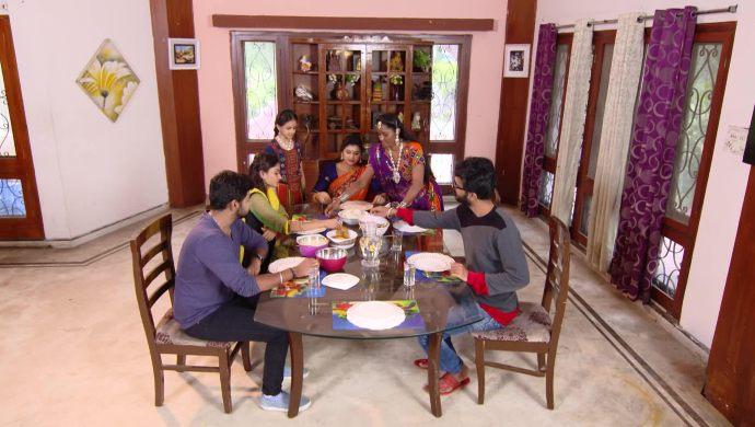 Kovalamudi family in Ninne Pelladatha