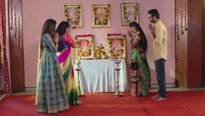 Mansi, Brahmini, Sampangi and Madhu in Ninne Pelladtha