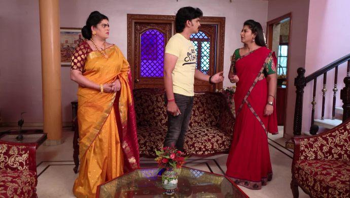 Murali, Kantamma and Vasundhara In Maate Mantramu