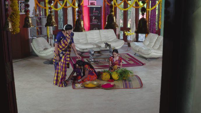 Sampangi with Brahmini in Ninne Pelladatha
