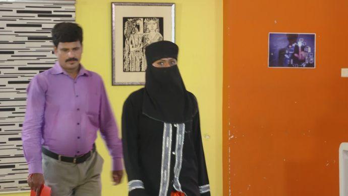 Mrudula and Santosh in Ninne Pelladatha