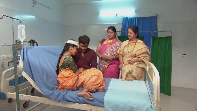 Nithya-Jai, Kalpana and Jeji in Kalyana Vaibhogam