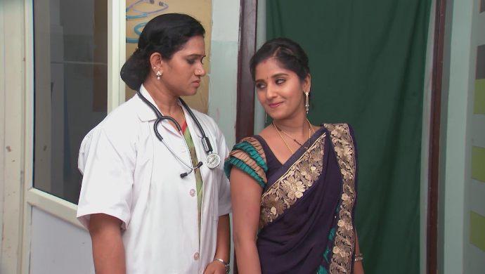 Nithya and doctor in Kalyana Vaibhogam