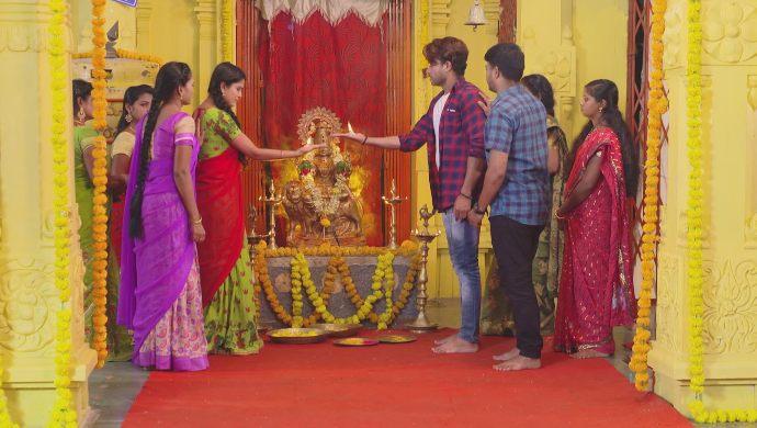 Soundarya-Abhi and Surya-Chandrika in Muddha Mandaram