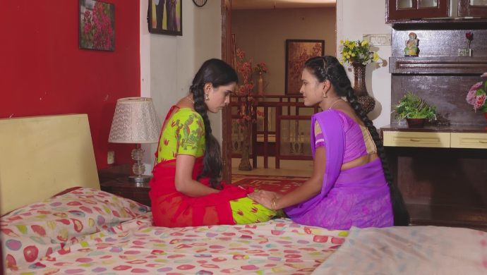 Soundarya and Chandrika in Muddha Mandaram