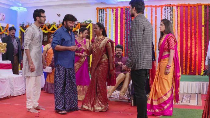 Veeraswamy with Mrudula In Ninne Pelladatha