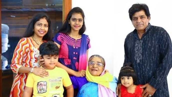 Comedian Ali with family