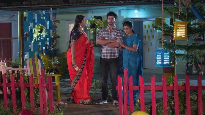 Dharani, Aditya and Priyamvada in Akka Chellellu