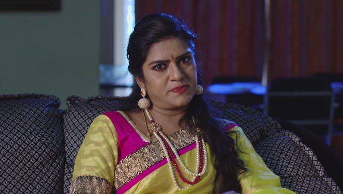 Priyamvada in Akka Chellellu