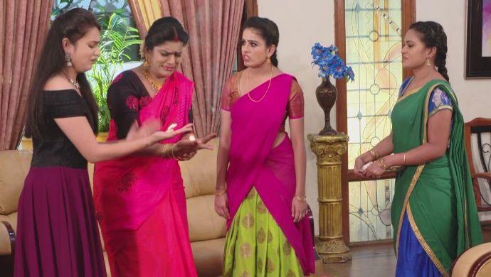 Soundarya, Chandrika, Bhavani, Chaitra in Muddha Mandaram