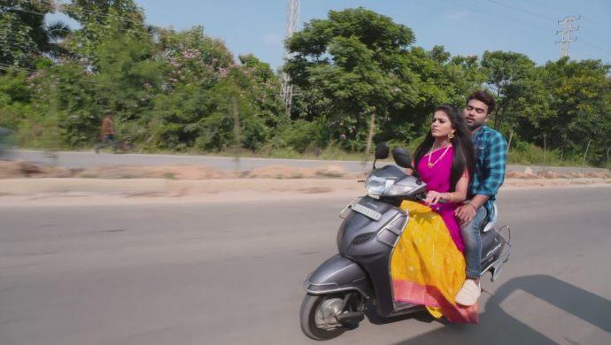Abhi and Soundarya in Muddha Mandaram