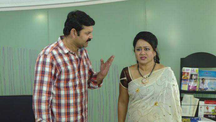 Komali and Arjun in Ninne Pelladatha