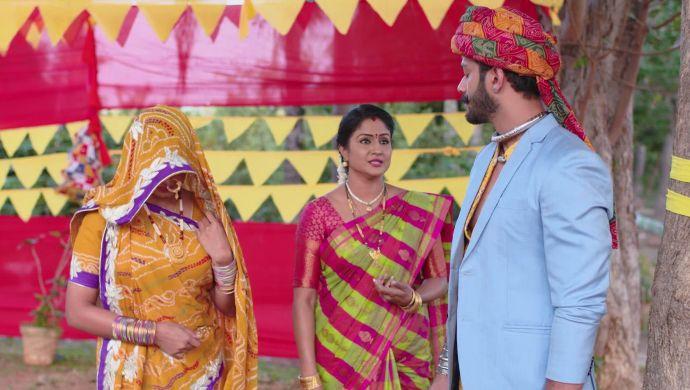 Aditya, Dharani and Vedavati in Akka Chellellu