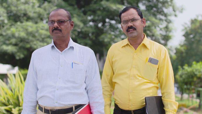 Government Officials in Muddha Mandaram