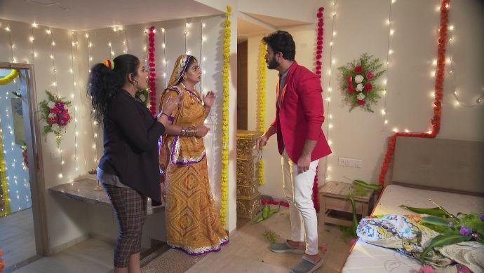 Hamsa, Dharani and Aditya in Akka Chellellu