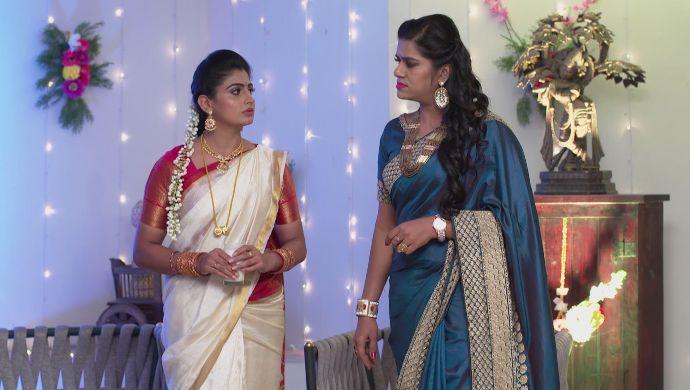 Priyamvada and Shravani in Akka Chellellu