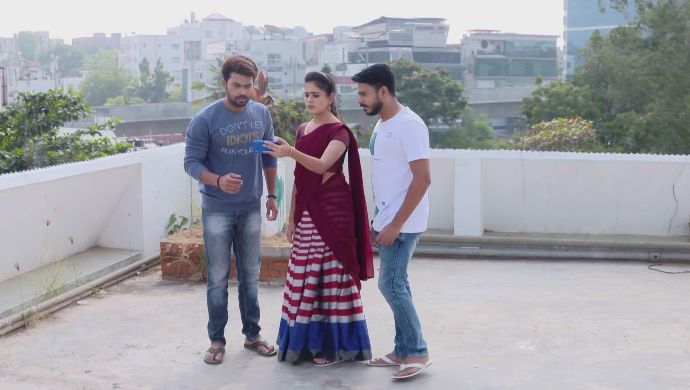 Surya, Abhi and Soundarya in Muddha Mandaram