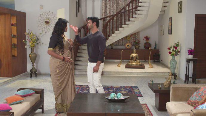 Aditya and Priyamvada in Akka Chellellu