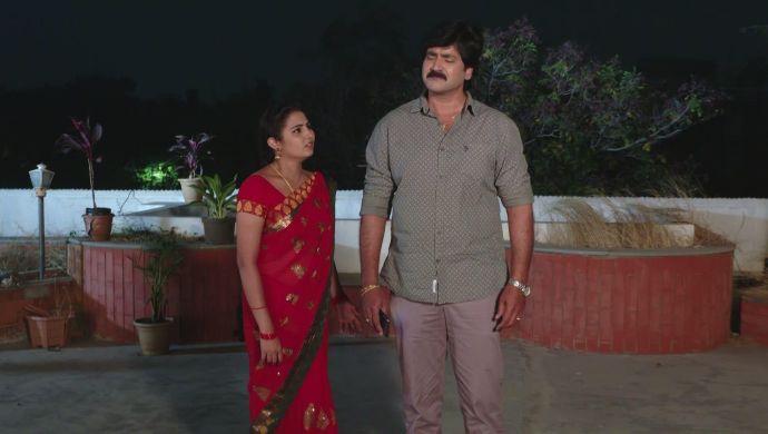 Krishna Prasad and Mrudula in Ninne Pelladatha