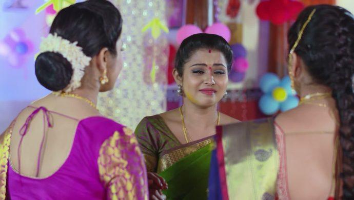 Mrudula with Bharati and Mansi in Ninne Pelladatha